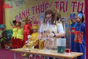 """Teen Nam Định thích thú với """"Ngày hội STEM"""" được tổ chức tại THCS Nguyễn Hiền"""